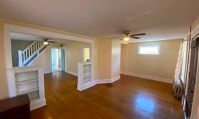 Living Room, 215 5th St, 1