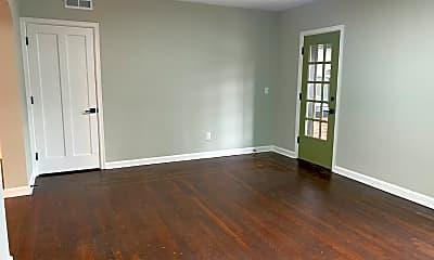 Living Room, 2621 Woodburn Ave, 1
