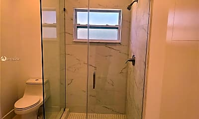 Bathroom, 21845 Goulds Ave 3, 2