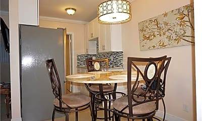 Dining Room, 548 4th Ave S 8, 1