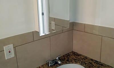 Bathroom, 1432 Parkway Dr, 2