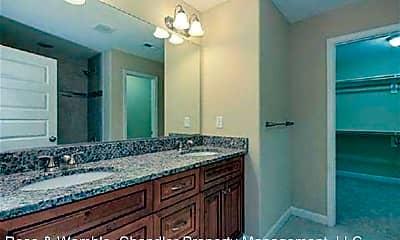 Bathroom, 3657 Amherst St, 2