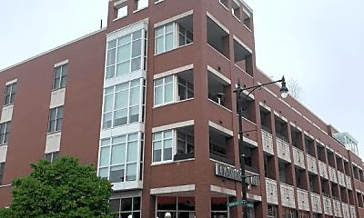 Building, 1611 N Hermitage Ave, 0