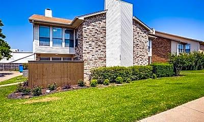 Building, 2813 Meadow Park Dr B, 1