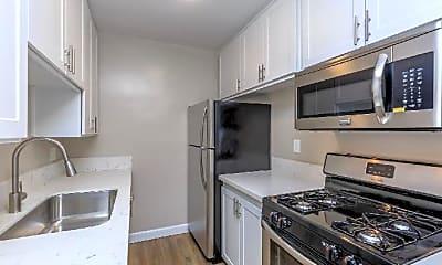 Kitchen, 1119 E Elk Ave, 0