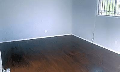 Living Room, 1157 E 47th St, 1