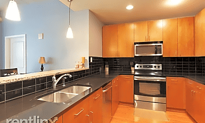 Kitchen, 44 Peachtree Pl NW, 1