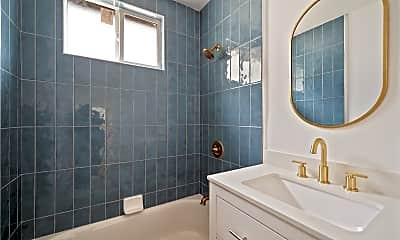 Bathroom, 592 Hamilton St, 2