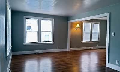 Living Room, 123 E Eckman St, 1