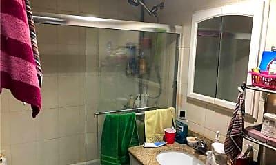 Bathroom, 144-49 Barclay Ave 4D, 2