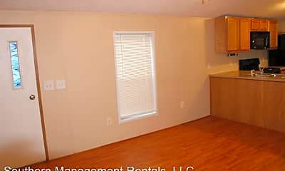 Building, 450 Ridge Rd, 1
