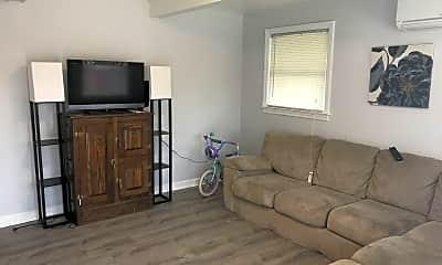Living Room, 4872 Shore Dr, 0