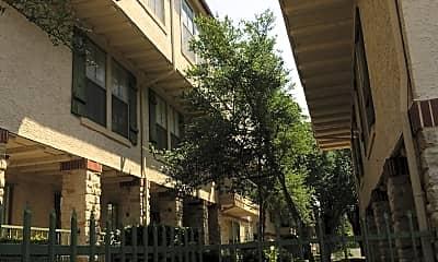 Villas of Bent Trails, The, 2