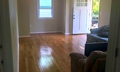 Living Room, 4803 Norwich Rd, 1