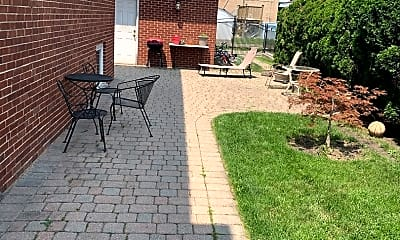 Patio / Deck, 3316 W Columbia Ave G, 1