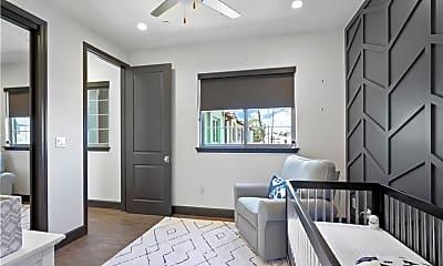 Living Room, 4323 Bloomfield Ln, 2