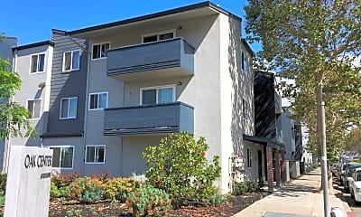 Oak Center Apartments, 2