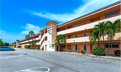 Building, 4500 N Federal Hwy, 1