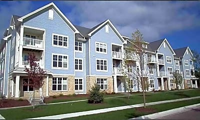 Delafield Lakes and Woods Apartments, 0