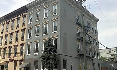 Building, 232 Jefferson St 6, 2
