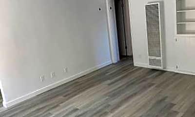 Bedroom, 2351 Warwick Ave, 2