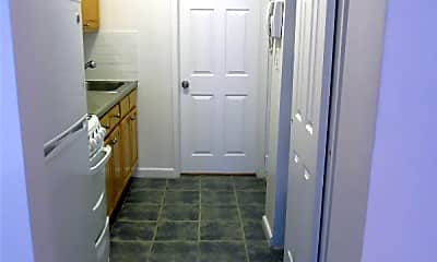 Kitchen, 218 E 94th St, 1