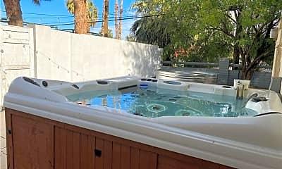 Pool, 1313 S 15th St, 2