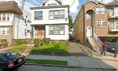 Building, 44 Chelsea Ave, 0