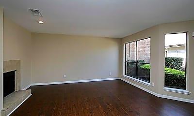 Living Room, 13357 Parkway Blvd 24, 1