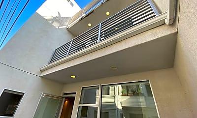 Building, 221 Linden Ave, 2