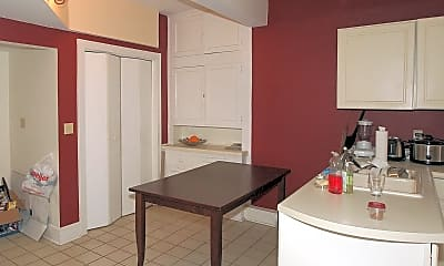 Kitchen, 308 N Prairie St, 1