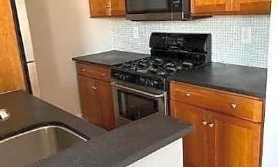Kitchen, 111 7th St 415, 1