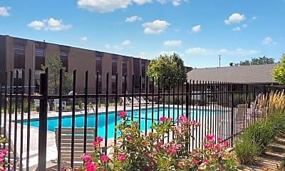 Pool, Lambie Lane, 0