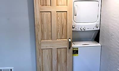 Kitchen, 702 Lorenz Ave, 1