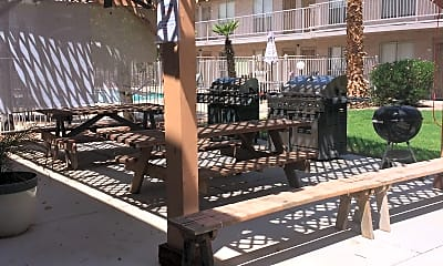 Mesa Villa Apartments, 2