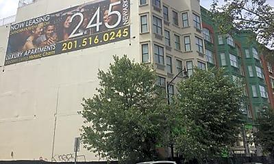 245 Newark, 0