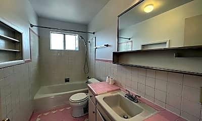 Bathroom, 360 Wilson Ave, 2