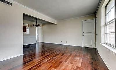 Living Room, 5833 Sandhurst Ln C, 1
