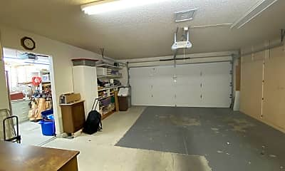 Kitchen, 9807 W Mockingbird Dr, 2