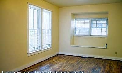 Building, 811 Pierre St, 1