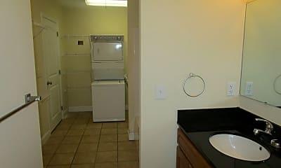 Bathroom, 3536 W Walnut St, 2