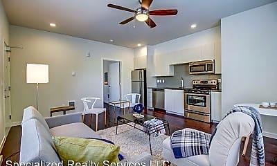 Living Room, 686 SE Spokane St, 1