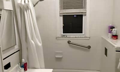 Bathroom, 75 Newman Ave 1, 2