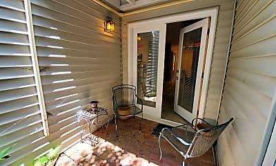 Living Room, 887 Juniper St., NE #I, 2