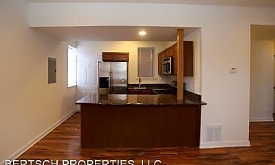 Kitchen, 3001 W Gunnison St, 1