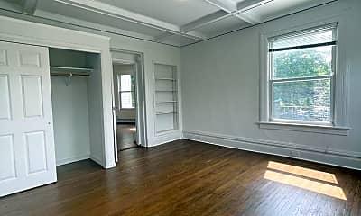 Living Room, 102 S Broadway, 2