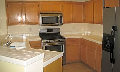 Kitchen, 425 Whispering Willow Dr, 1