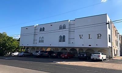 VIP Apartments, 1