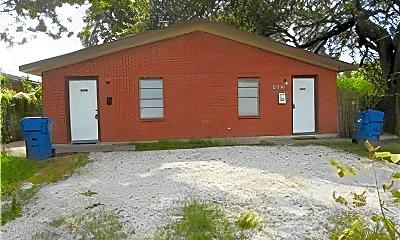 Building, 306 Lake Rd, 1