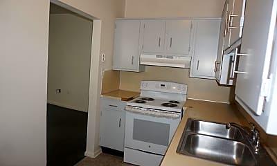 Kitchen, 144 Lincoln Hwy E, 1